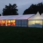 Eventstrom für Festzelt auf der grünen Wiese